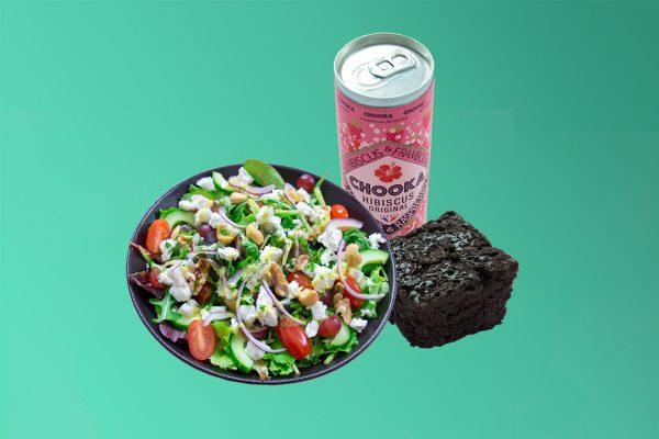 Combodeal met gezonde maaltijdsalade, groente brownie en uniek drankje